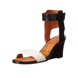 Chie Mihara Ruter Leather Wedge Sandals